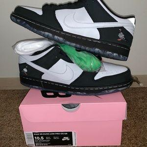Nike Dunk SB Panda Pigeon